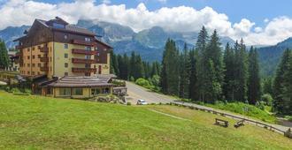 Carlo Magno Hotel Spa Resort - Madonna di Campiglio - Building