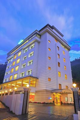 Clouds Valley Leisure Hotel - Munnar - Building