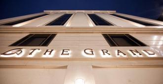 The Grand Hotel Myeongdong - Seúl - Edificio