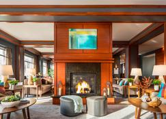 Courtyard by Marriott Burlington Harbor - Burlington - Lounge
