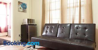 Studio, One and Two Bedroom Apartments - Bronx - Bronx - Living room