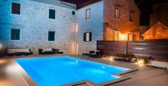 Hostel Scala - Sibenik - Piscina