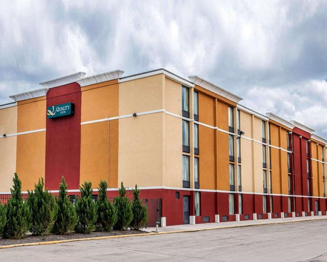Quality Inn Terre Haute University Area - Terre Haute - Rakennus
