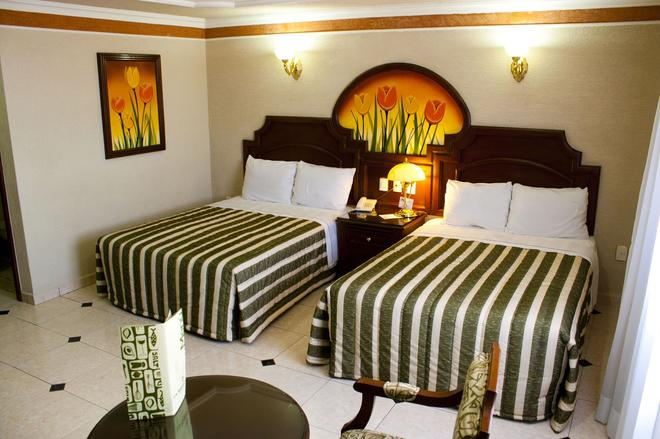 Hotel Casino Plaza - Guadalajara - Bedroom