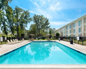 Holiday Inn Johnstown-Gloversville - Johnstown - Басейн