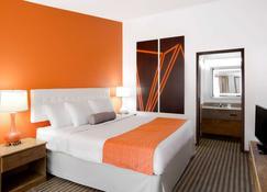 Howard Johnson by Wyndham Wilmington - Wilmington - Bedroom