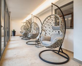 Romantik Hotel Hirschen - Parsberg - Патіо