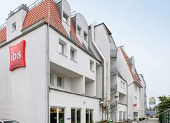 Ibis Frankfurt Airport - Kelsterbach - Building
