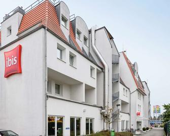 Ibis Frankfurt Airport - Kelsterbach - Gebäude