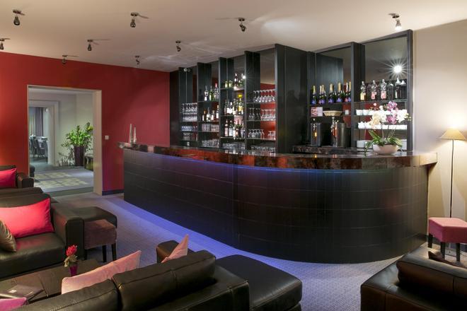 布雷謝最佳西方酒店 - 尼歐爾 - 尼沃特 - 酒吧