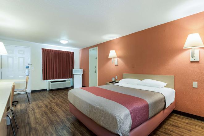 Motel 6 - 紐波特紐斯 - 紐波特紐斯 - 紐波特紐斯 - 臥室