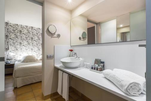 Occidental Playa de Palma - Palma de Mallorca - Bathroom