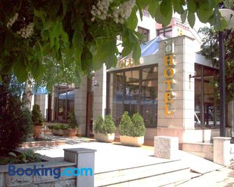 Hotel Dinara - Livno - Building