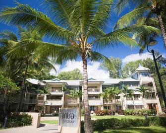 Mantra Amphora - Palm Cove - Building