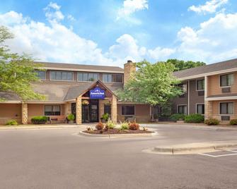 AmericInn by Wyndham Mankato Event Center - Mankato - Gebäude