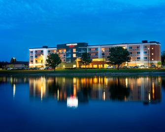 Courtyard by Marriott Evansville East - Евансвіль - Building
