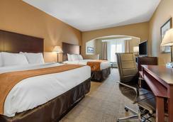 Comfort Suites - Springfield - Bedroom