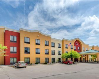 Comfort Suites near Route 66 - Springfield - Building