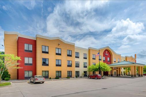 Comfort Suites - Springfield - Building