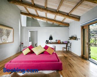 Monaci Delle Terre Nere - Zafferana Etnea - Living room