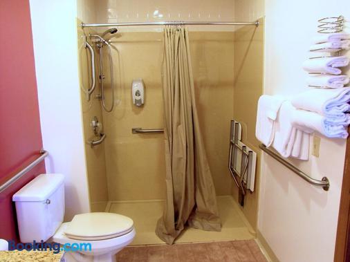 Dutton Inn - Branson - Phòng tắm