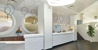 Hotel Le Bayonne - Bayonne - Front desk