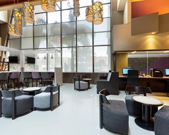 Crowne Plaza San Jose Corobici - San José - Lounge