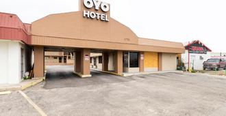 OYO Hotel San Antonio Lackland Air Force Base North - San Antonio - Building