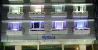 Hotel Vaishnaoi - Hyderabad - Building