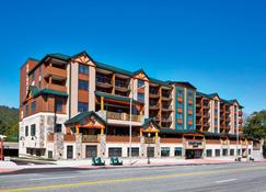 Courtyard by Marriott Lake George - Lake George - Bygning