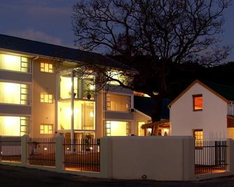 The Russel Hotel - Knysna - Building
