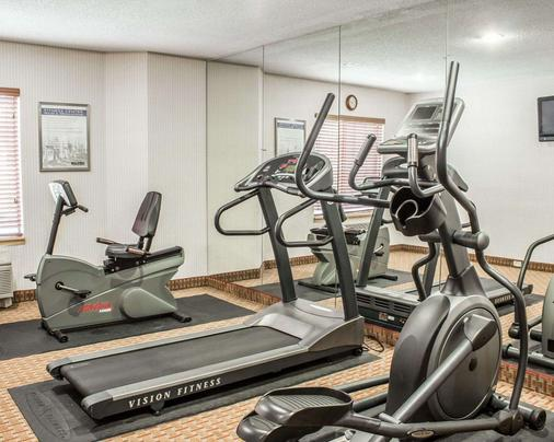 Quality Inn and Suites Raleigh North - Raleigh - Gym