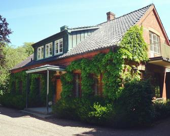Minnesberg Bed & Breakfast - Trelleborg - Building