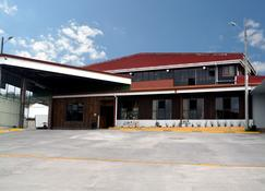 Hotel Las Brumas - Cartago - Edificio