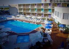 喬利勒格汽車旅館 - 威德伍德克瑞斯特 - 威爾伍德克拉斯特 - 游泳池