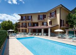 Hotel Astra - Tignale - Bâtiment