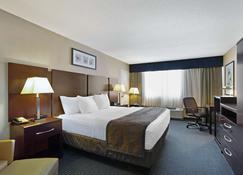 La Quinta Inn & Suites by Wyndham Manchester - Manchester - Makuuhuone