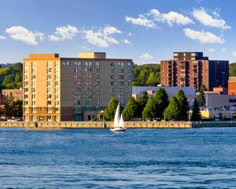Delta Hotels by Marriott Sault Ste. Marie Waterfront - Sault Ste Marie - Building