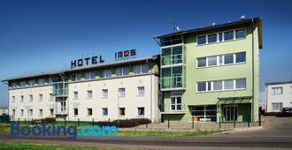 Hotel Imos - Prague - Building