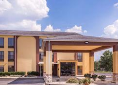 Howard Johnson by Wyndham Spartanburg Expo Center - Spartanburg - Edifício
