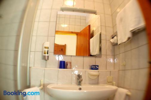 Gasthof Zum Kauzen - Ochsenfurt - Bathroom