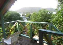 Hotel Flemming Tree - Providencia - Balcony