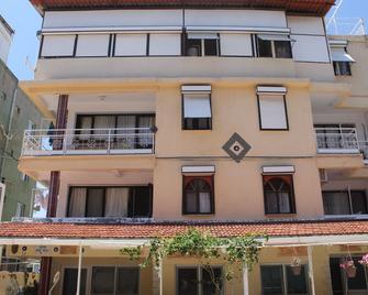 Motel Birsin - Gümüldür Cumhuriyet - Building