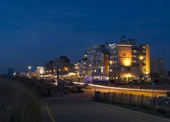 Prominent Inn Hotel - Noordwijk - Gebouw
