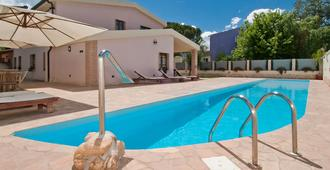 Gentarrubia - B&B - Capoterra - Pool
