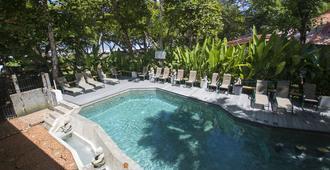 Verde Mar Waterfront Hotel - מנואל אנטוניו - בריכה