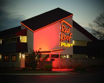 Red Roof Inn Plus+ University At Buffalo - Amherst - Amherst (Nueva York) - Edificio