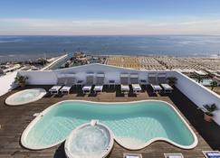 諾蒂科酒店 - 里喬內 - 里喬內 - 游泳池