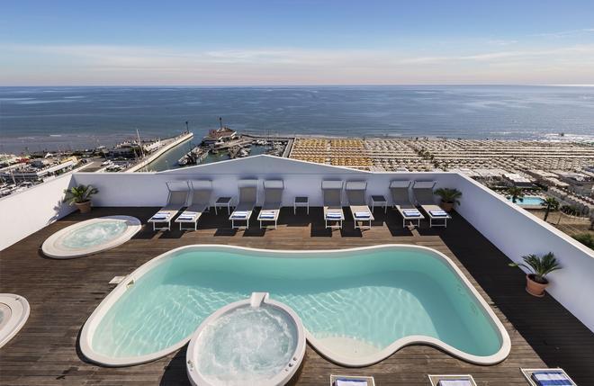Hotel Nautico - Riccione - Uima-allas