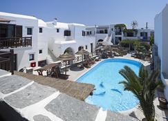 Hotel Anemomilos - Агия-Анна (Наксос) - Бассейн